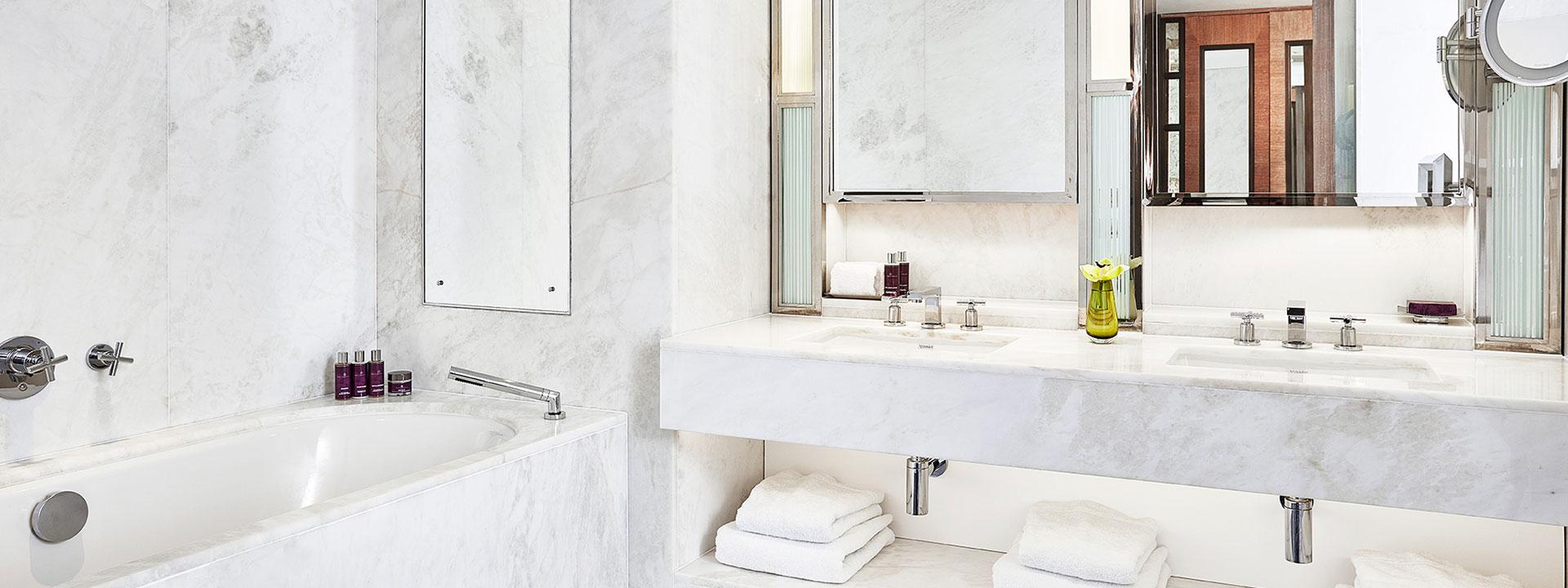 The Adams Suite - Bathroom